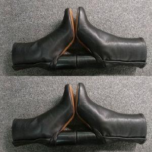 Brand New Tabi Boots